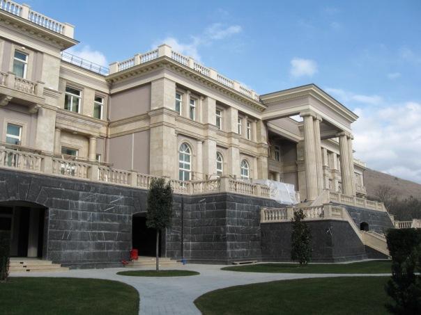 Ткачевское гостеприимство. Как Краснодарский край стал раем для чиновников