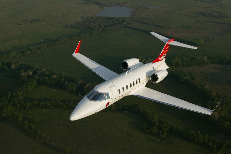 Learjet_40_01