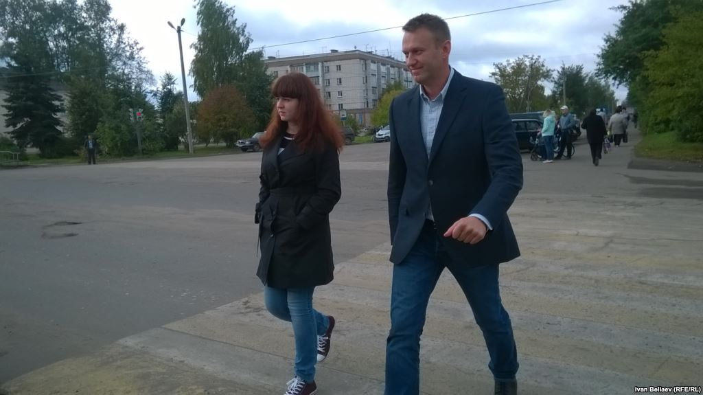 Навальный о стрельбе сенатора банке Открытие вилле