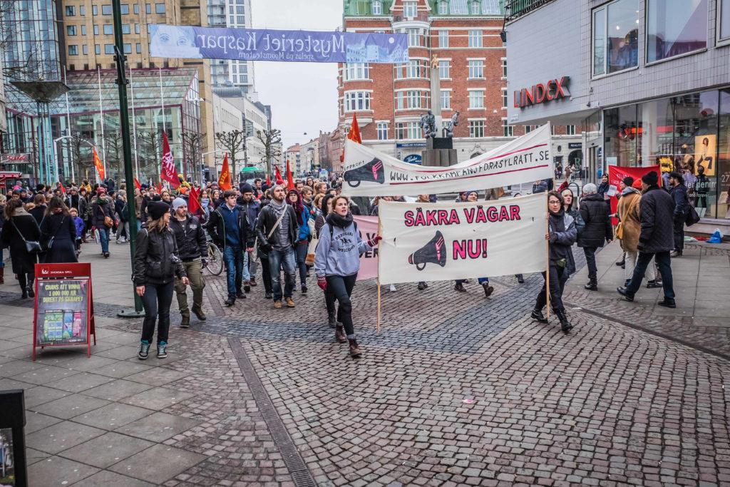 Фейк: Беженцы терроризируют шведский город Мальмё