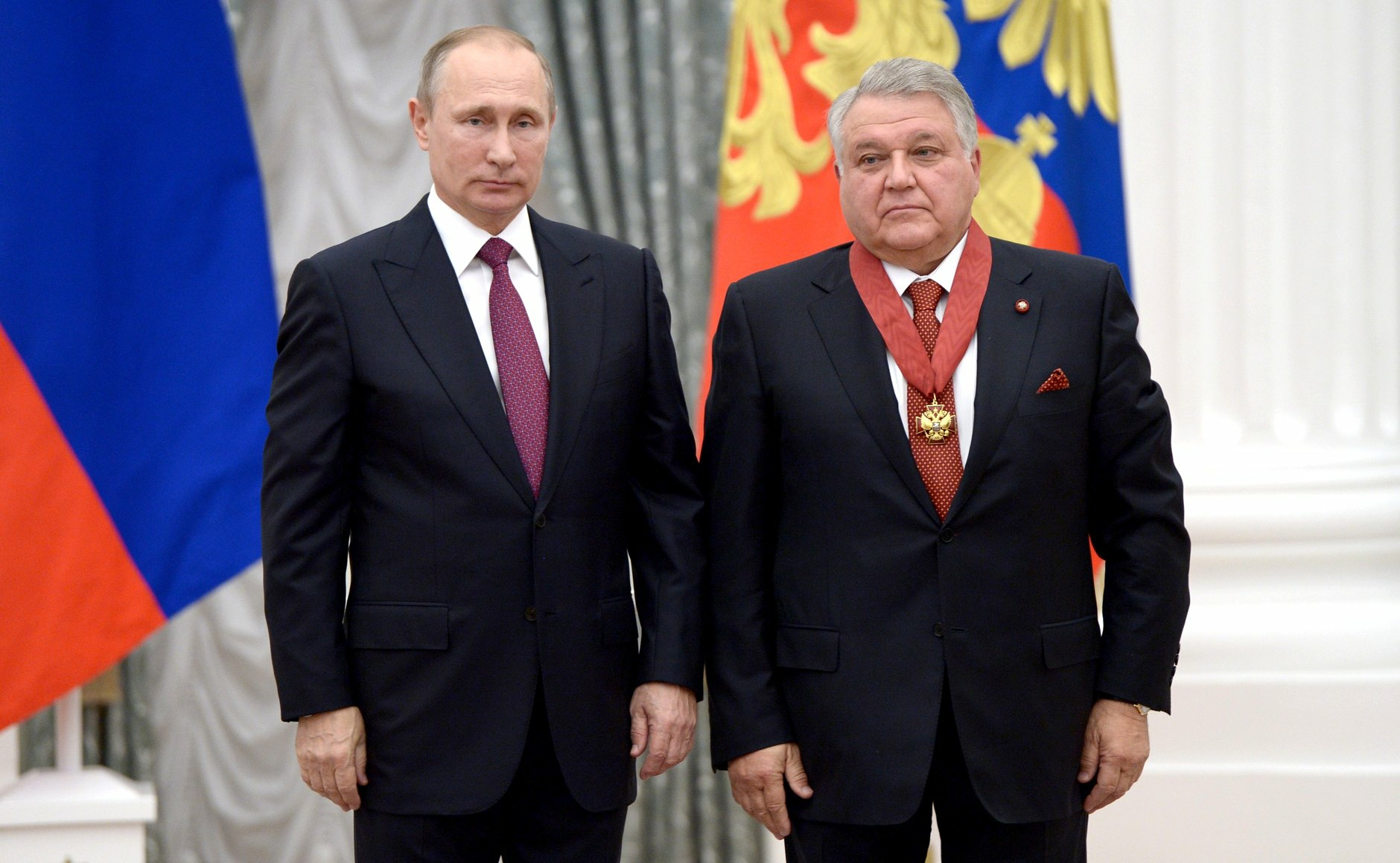 September 22, 2016. - Russia, Moscow. - Russian President Vladimir Putin (left) and President of the National Research Center Kurchatov Institute Mikhail Kovalchuk at the ceremony of giving state awards for outstanding achievements in the Catherine Hall in Kremlin.