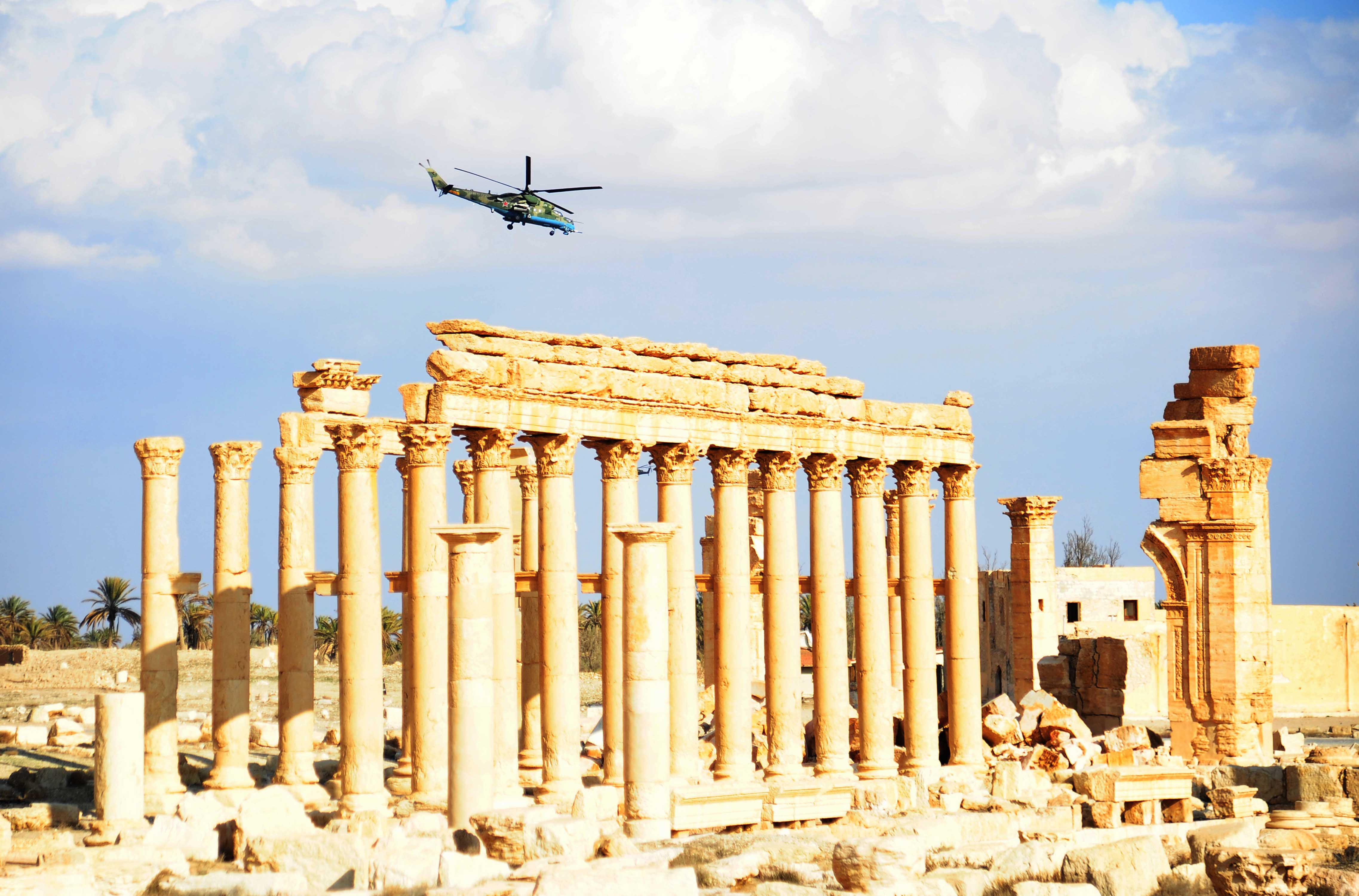 PALMYRA, March 5, 2017 A Russian helicopter hovers over the ancient city of Palmyra, central Syria, on March 4, 2017. The Syrian army announced in a statement that the Syrian forces captured the ancient city of Palmyra in central Syria on Thursday after battles with the Islamic State (IS) group. gj) (Credit Image: Global Look Press via ZUMA Press)