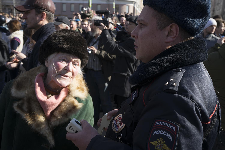 Димон, выйди вон! Как в Москве дубинками разгоняли школьников (фото- и видеорепортаж)