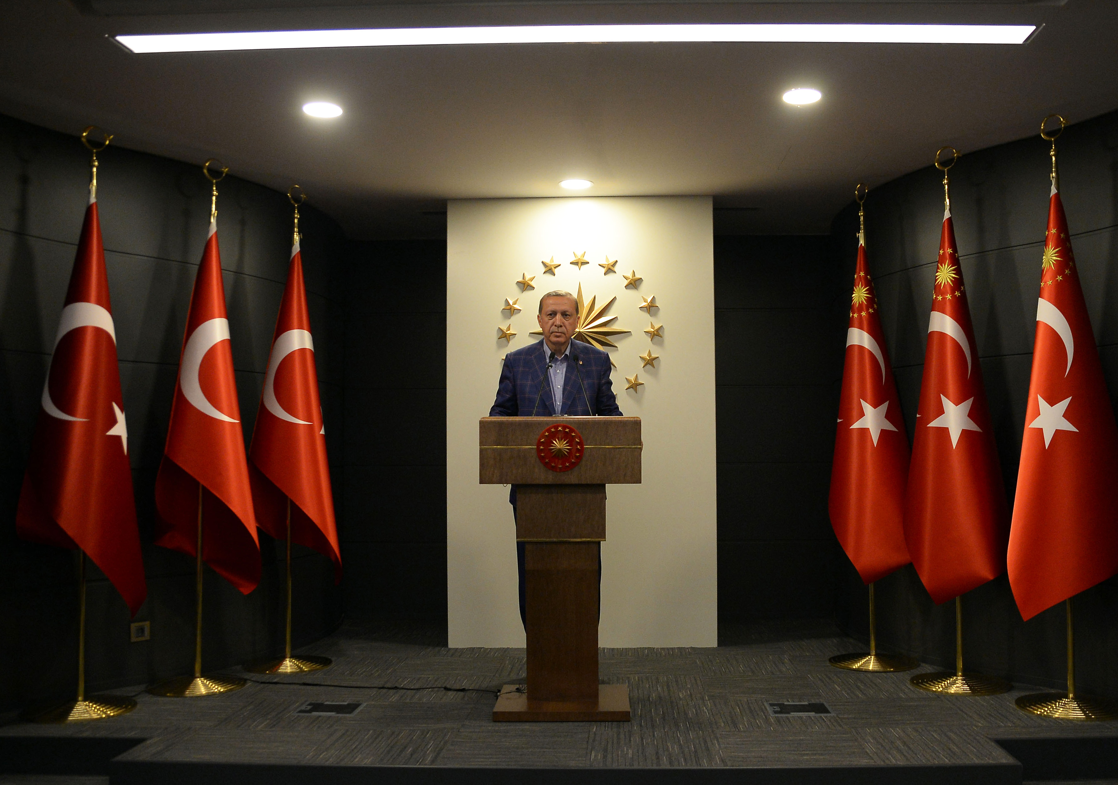 ISTANBUL, April 16, 2017 Turkish President Recep Tayyip Erdogan makes statements in Istanbul, Turkey, on April 16, 2017. Turkish President Recep Tayyip Erdogan declared on Sunday night that the proposed constitutional changes were accepted in a referendum, paying the way for the country to introduce the presidential system. (Credit Image: Global Look Press via ZUMA Press)