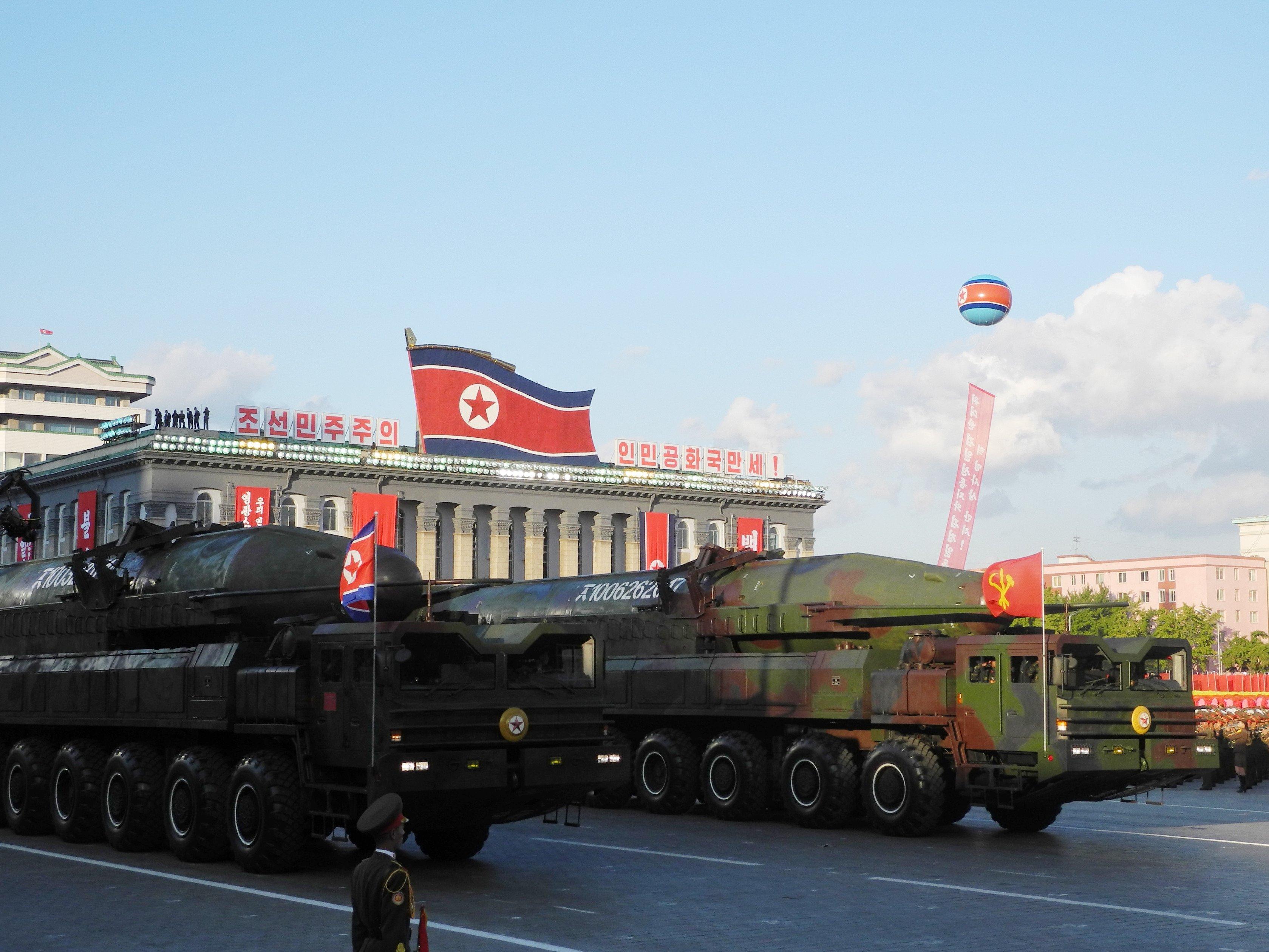 Межконтинентальные баллистические ракеты на параде в Пхеньяне. Октябрь 2015 года