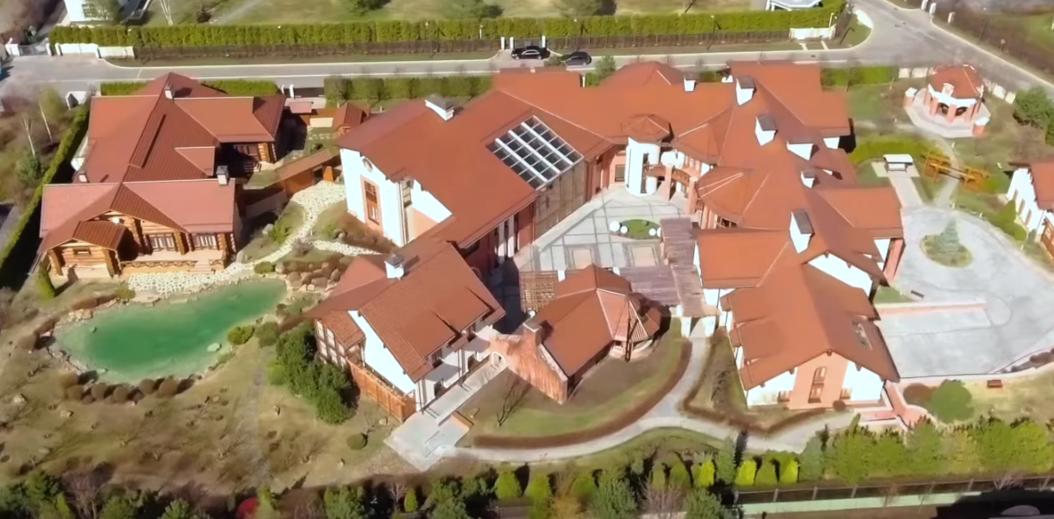ФБК снял новый ролик про недвижимость лидера «Антимайдана»