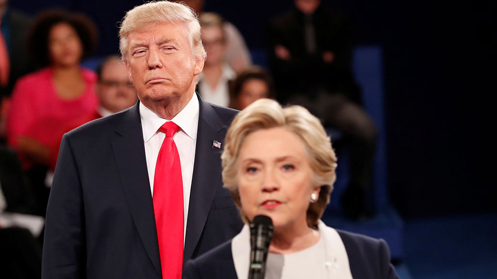 the bizarre 2016 election in the united states between clinton and trump Trump and clinton: the most bizarre conspiracy theories ahead of us election the top photos following the campaign journey of hillary clinton and donald trump in the us elections 2016 donald john trump is an american businessman and politician who is president-elect of the united.
