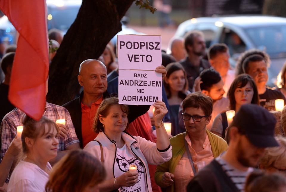 Вацлав Радзивинович: Польская молодежь говорит «нет» мракобесам из партии власти