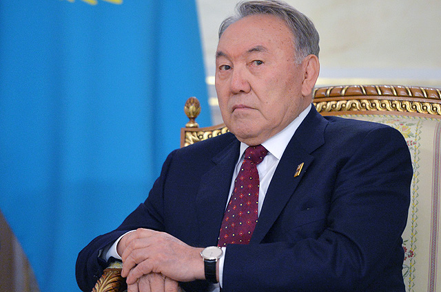 Андрей Грозин: С переводом казахского на латиницу открывается широчайшее поле для воровства