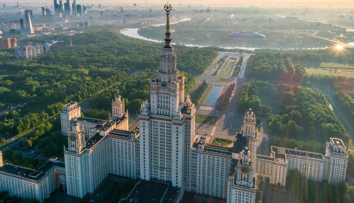 Вне игры. 7 причин, по которым жители городов, принимающих Чемпионат мира по футболу, возненавидели его