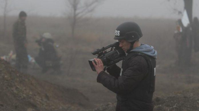 В Донбассе обстреляли съемочную группу ВГТРК