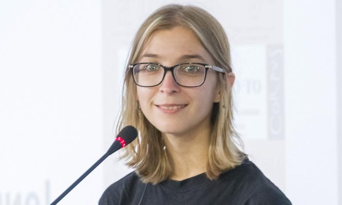 Ася Казанцева рассказала, почему сотрудники ФСИН изъяли ее книгу у фигуранта дела «Сети» и как это связано с Навальным
