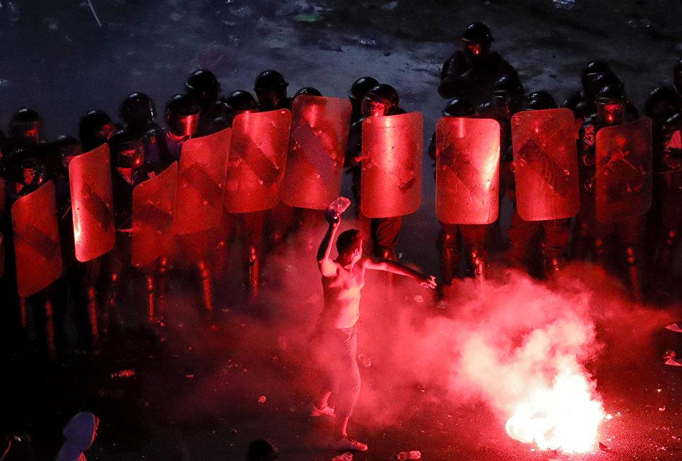 В Бухаресте более 400 человек пострадали в ходе многотысячной акции протеста