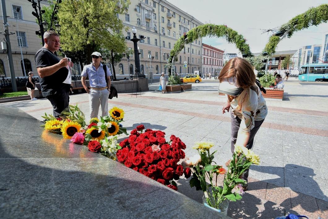 В центре Москвы прошел флешмоб в поддержку Олега Сенцова