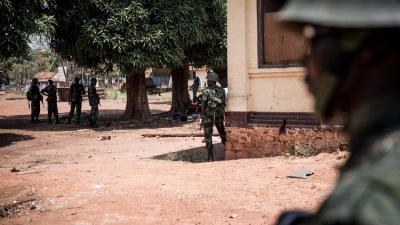 Машина убитых в ЦАР журналистов была второй в колонне. Первую убийцы пропустили— «МБХ Медиа»