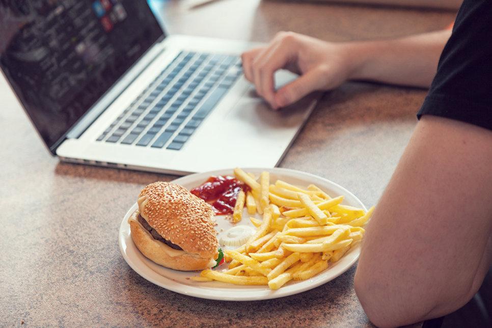 Роспотребнадзор назвал неправильное питание причиной большинства смертей в России
