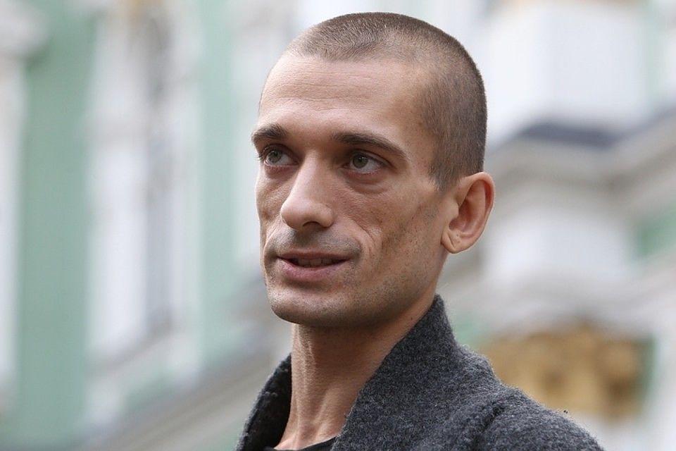 В Париже Петра Павленского приговорили к году тюрьмы и двум годам условно
