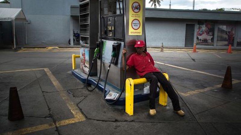 В результате экономической политики Чавеса-Мадуро добыча нефти в Венесуэле упала с 3 до 1,2 млн баррелей в день
