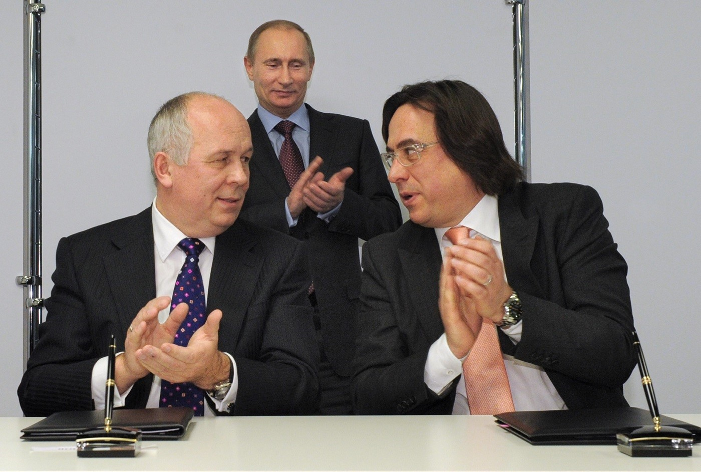 Citizen cocaine. What connects billionaire Sergei Adonyev, cocaine smuggling and Putin