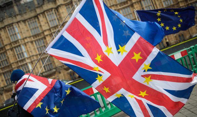 Британская пресса: Brexit мертв. Что остается Терезе Мэй? 3