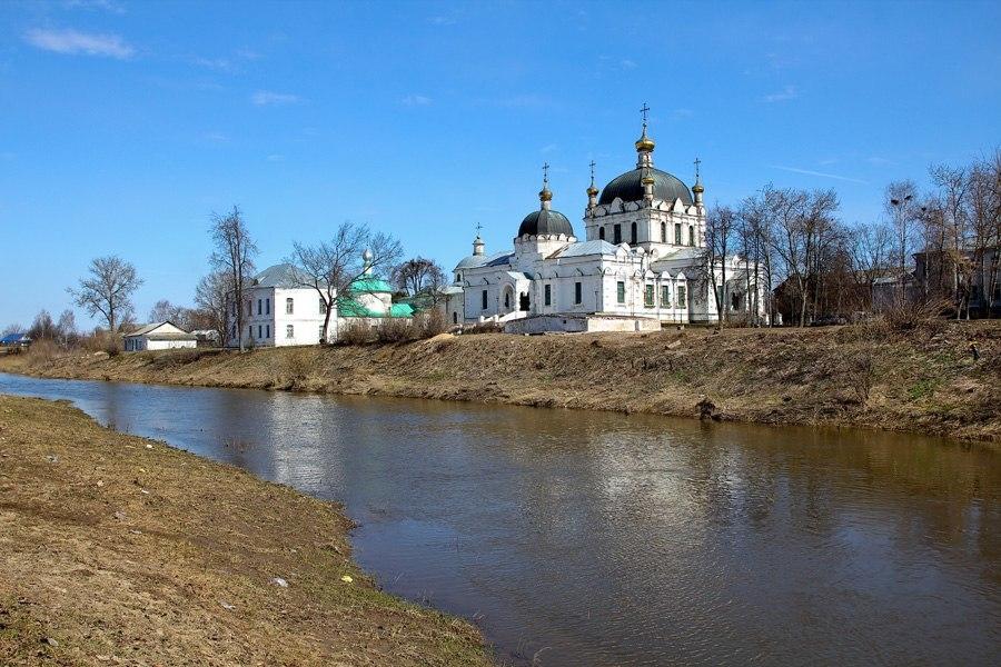 Брать во Христе. Как РПЦ прибирает к рукам объекты культурного наследия