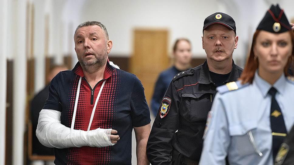 При обысках по делу Черкалина изъяли 12 млрд рублей, это на четверть больше, чем у Захарченко — «Росбалт»