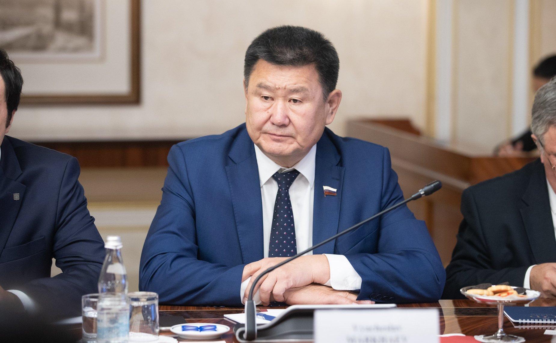 сенатор Мархаев