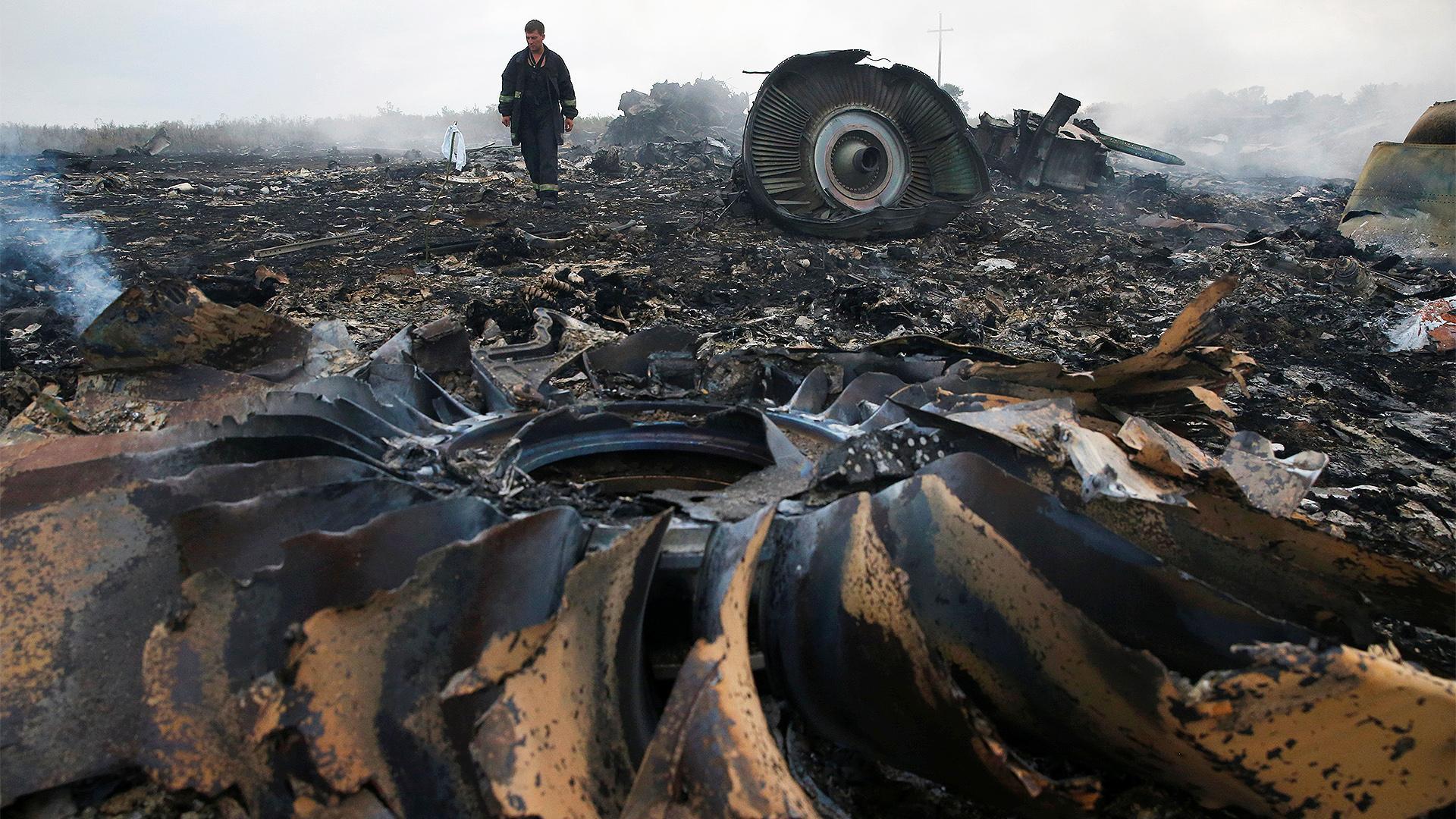 «Прибудут люди с полномочиями от Шойгу». JIT опубликовала новые прослушки по делу о «Боинге» MH17, в них фигурируют Шойгу, Сурков и Бортников