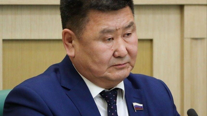 Сенатор Мархаев, призвавший проверить действия полиции из-за задержаний на митинге, проиграл суд с МВД