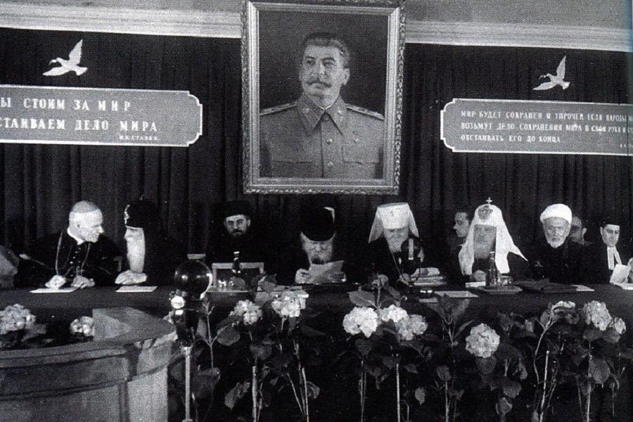 Мифы о православном Сталине. Как и зачем диктатор использовал церковь на самом деле