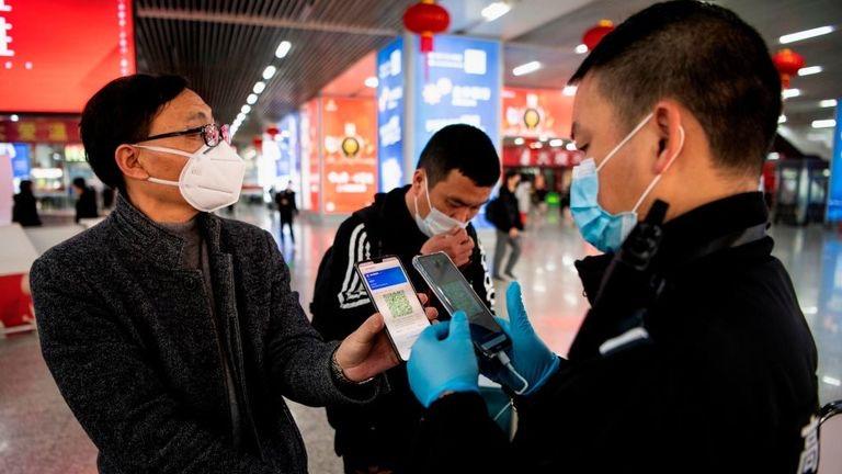 Не было бы счастья да коронавирус помог. Как Китай использует эпидемию для пропаганды