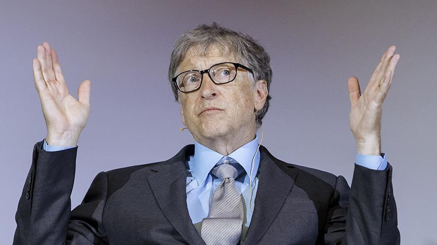 «Слишком глупо и странно, чтобы опровергать». Билл Гейтс прокомментировал теорию о чипировании под видом вакцинации