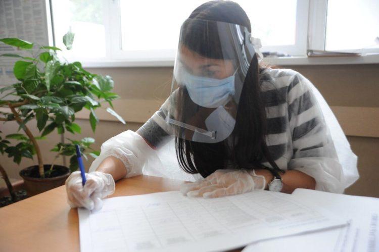 В Омской области и в Алтайском крае коронавирусом заразились 30 членов избиркомов