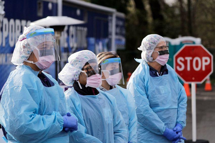 В России, по официальным данным, выявлено 6248 новых случаев коронавируса